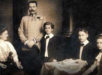 Hitler a Habsburgovci – James Longo