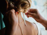 Zopár tipov na netradičné svadobné šaty a doplnky