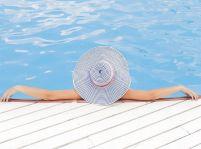 Pozor na letné nástrahy: Verejné kúpaliská sú postrachom pre vaše nohy!