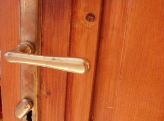 ...a dvere sa otvorili.