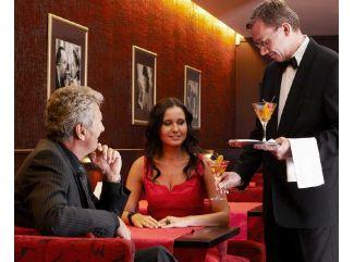 Night club vo wellness hoteli Alexandria má prvorepublikovú atmosféru