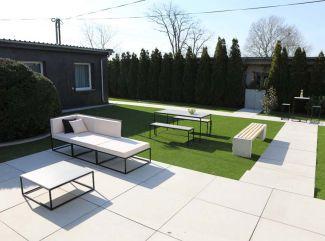 Chcete praktický nábytok do záhrady? Zamerajte sa na tieto odporúčania!