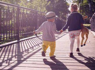 Pomáhajú vám vaše deti? Čo všetko by už vo svojom veku mali ovládať?