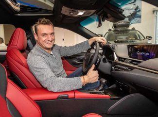 Marcel Forgáč si doma ako prvý zaparkoval nový Lexus ES