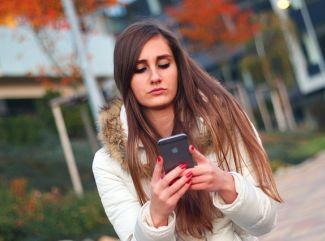 Mínusové stupne sú zaťažkávacou skúškou aj pre mobily