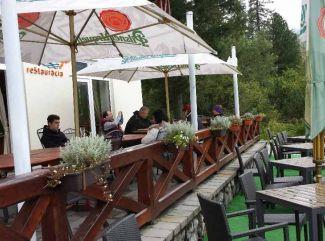 Jeseň na Štrbskom Plese očarí výhľadmi a pohodou