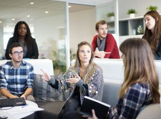 Čo ovplyvňuje výkon zamestnancov?