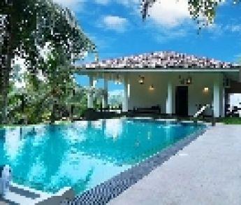 Bazén na letnej záhrade neprináša len samé výhody