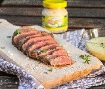 Flank steak s chrenovou omáčkou