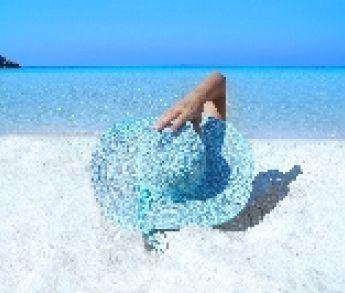Ako prežiť letnú dovolenku a nepribrať? Žiadny stres, my vám poradíme.