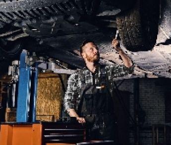 5 absurdných opráv, s ktorými prišli vodiči do autoservisu