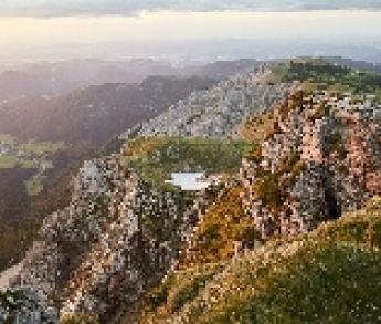 Dobrodružný výlet do hôr Dolného Rakúska: Zažite východ slnka na kopci Schneeberg