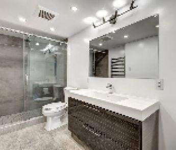 Nadčasová, moderná a zároveň praktická kúpeľňa: Aké farby a materiály použiť?