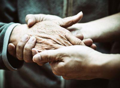 Starecká demencia. Nezabúdajme na seniorov aby nezabudli oni na nás