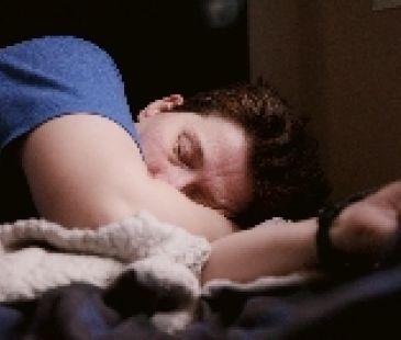 V bezpečí nie sme ani počas spánku. Chrápanie dáva koronavírusu výhodu