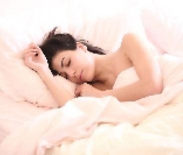 Ani vy nemôžete pokojne spávať? Tu sú triky pre lepší spánok