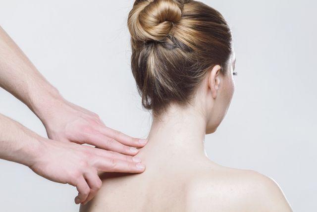 Čím najčastejšie zaťažujeme krčnú chrbticu?