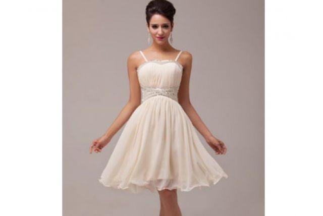 287cbb03e225 Aké svadobné či družičkovské šaty zvoliť na letnú svadbu  A pozor! Tip na  zaujímavú