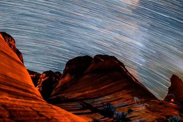 Ohromujúce timelaps video  z púšte v Arizóne miesto Wave