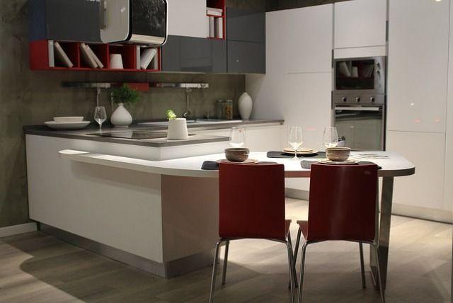 Moderné vstavané kuchyne na mieru nesmú chýbať v žiadnej domácnosti