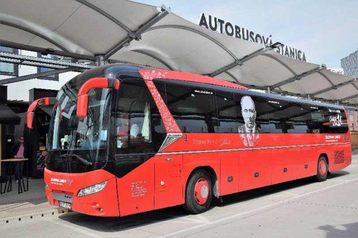 Týždeň s dvomi sviatkami zvyšuje záujem o autobusy na Schwechat