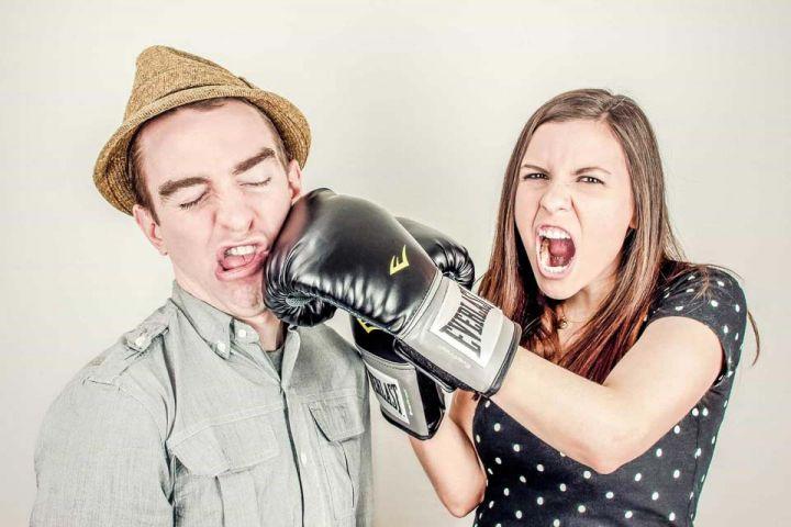 Čo dokonale vystihuje nefunkčný partnerský vzťah?