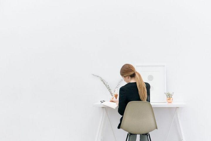 Máte sedavé zamestnanie? Tieto cviky si môžete zacvičiť priamo v kancelárii
