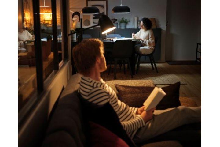 IKEA dizajnér radí, ako si môžeme spríjemniť prácu z domu a na čo nesmieme zabúdať