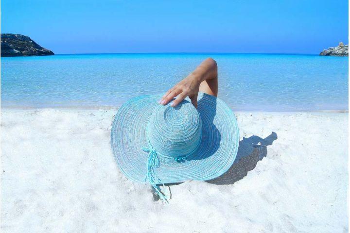 Pokožku si pred slnečným žiarením musíme chrániť! Odborníčky radia, ako na to