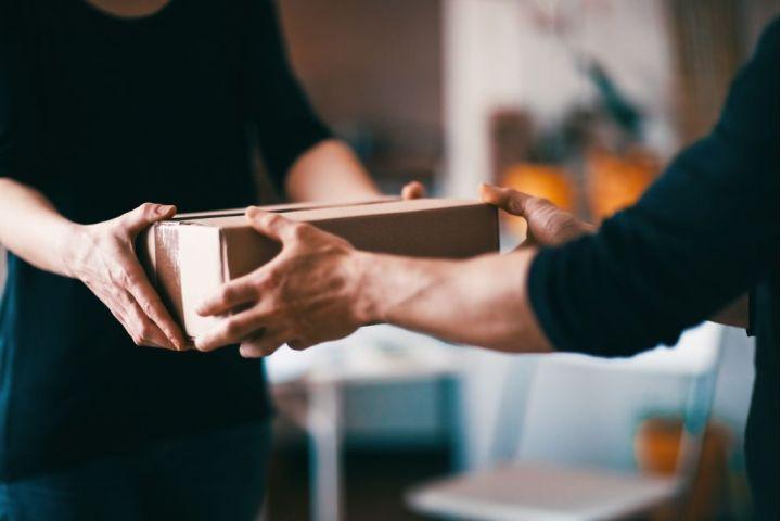 Prečo odosielať balíky kuriérom? Tu sú hlavné výhody!