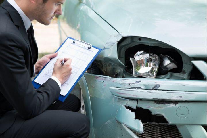 Potrebujete si dohodnúť povinné zmluvné poistenie? Prečítajte si všetko, čo o ňom potrebujete vedieť