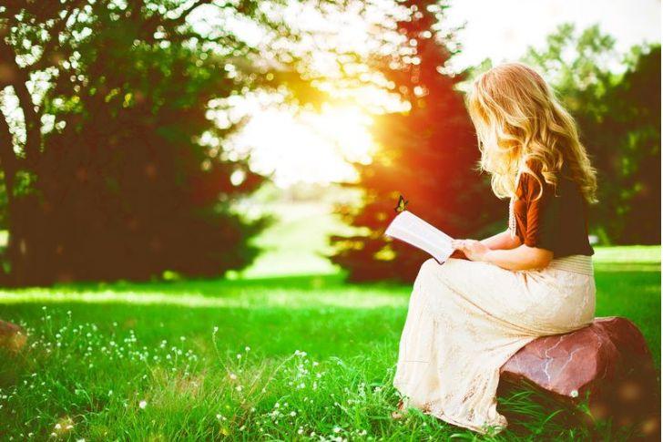 6 tipov na knihy, ktoré vám pomôžu žiť zdravší, šťastnejší a naplnenejší život