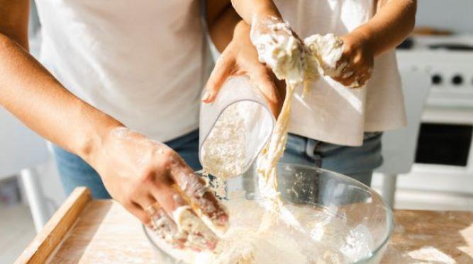 Droždie, múka či kypriaci prášok. Kde ešte stále zoženiete suroviny na veľkonočné pečenie?