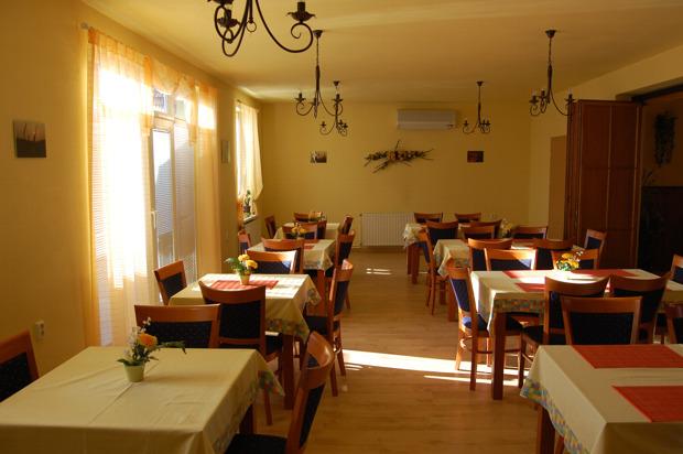 """Reštaurácia """"Na Kopčanskej"""" - Holíč"""